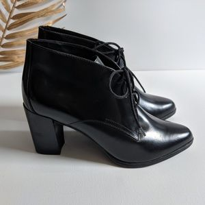 [Clarks] Kadri Alexa Lace-Up Closure Heeled Boots